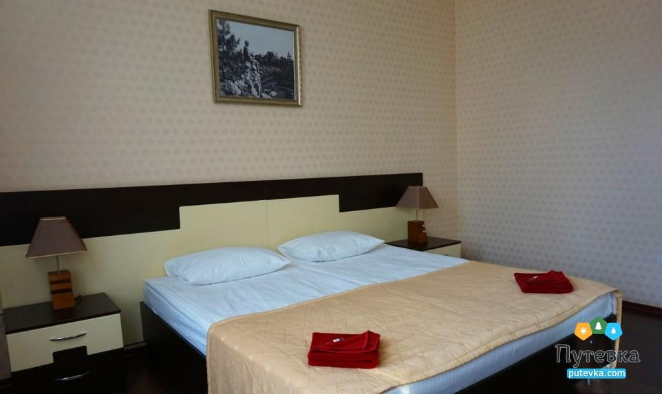 Фото номера Люкс 2-местный 2-комнатный (корп. №4 «Дача генерала Макарова», №5 «Лермонтовский»), 1