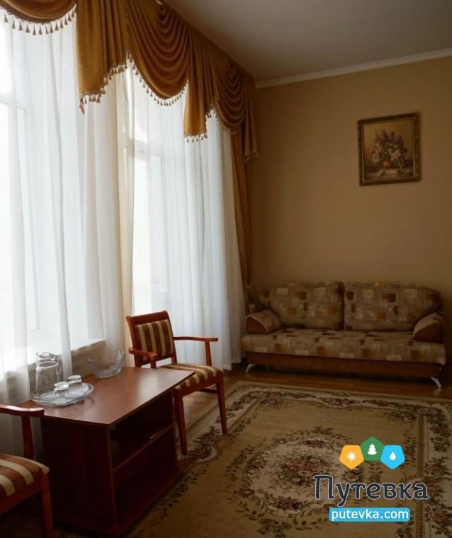 Фото номера Люкс 2-местный 2-комнатный (корп. №4 «Дача генерала Макарова», №5 «Лермонтовский»), 6