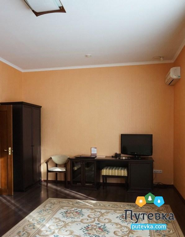 Фото номера Апартаменты 2-местный 3-комнатный (корп. №5 «Лермонтовский»), 2