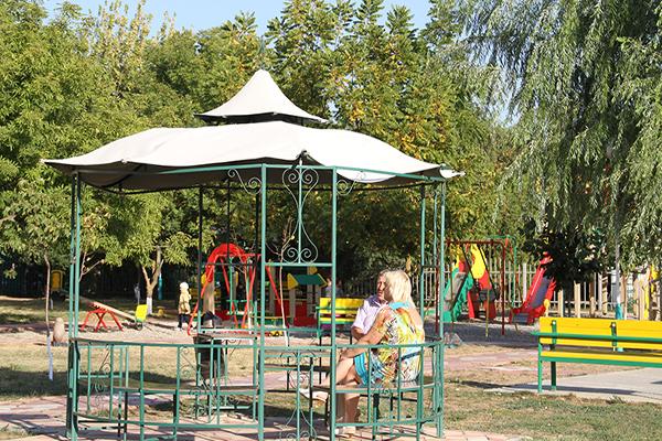 Детская площадка, беседка
