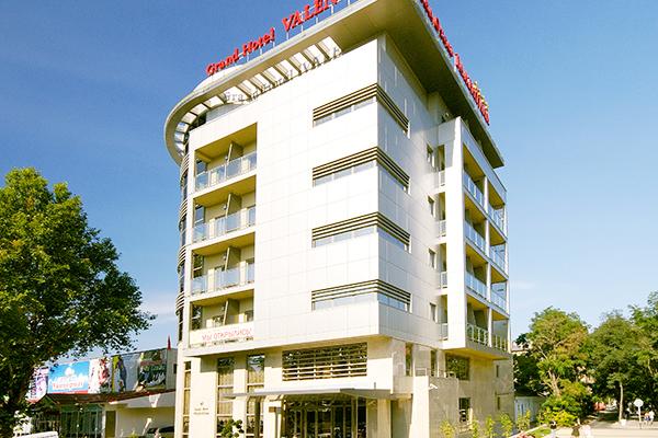 Отель Валентина Гранд Отель,Здание гостиницы