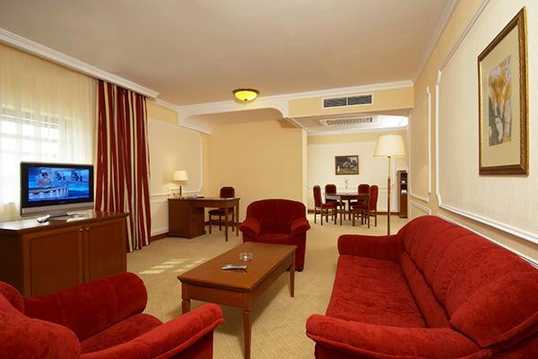Отель Валентина Гранд Отель,Люкс 2-местный