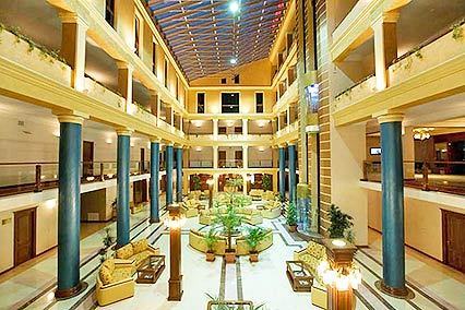 Отель Russia Hotel ,Вестибюль