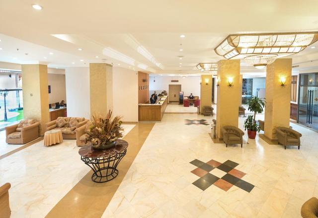 Отель Ани Плаза,холл