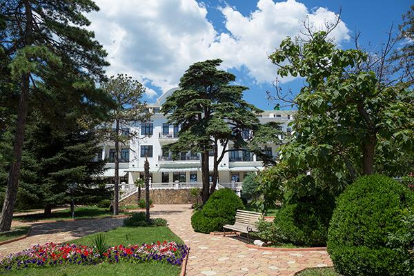 Отель Riviera Sunrise Resort & Spa,Территория. Вид на корпуса Classic и Modern