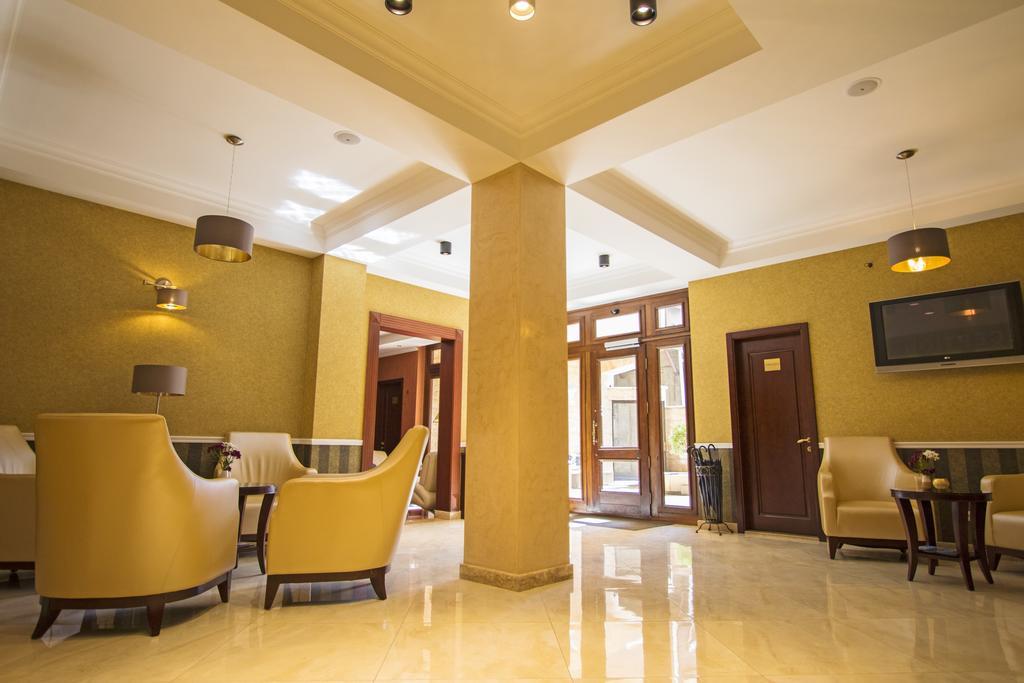 Отель KMM,холл