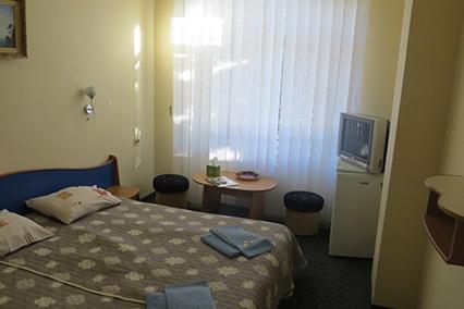 Гостиница Южная ночь,Эконом 2-местный без балкона 1,3 этаж