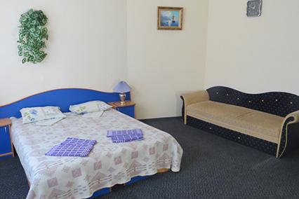 Гостиница Южная ночь,Эконом 3-местный без балкона 1 этаж