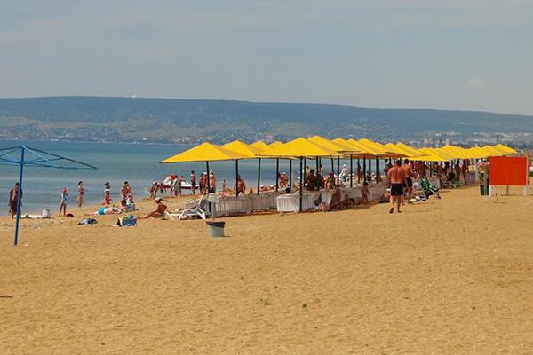 База отдыха Коронелли,Золотой пляж