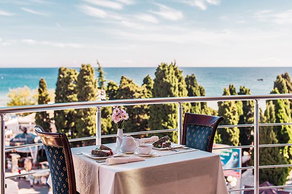Ресторан, балкон