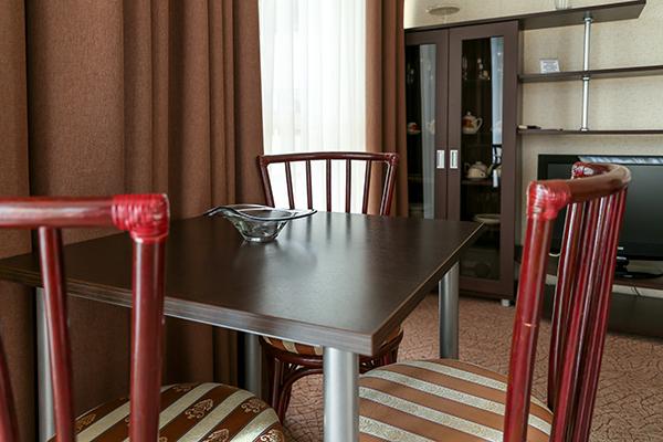 Бизнес 2-комнатный обеденная зона