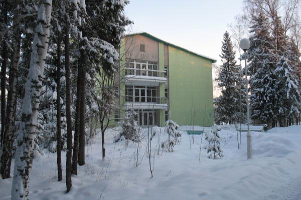 Санаторий-профилакторий Сосновый Бор,1 корпус зимой