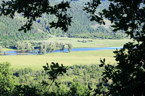 Вид с горы Янгантау на долину реки Юрюзань