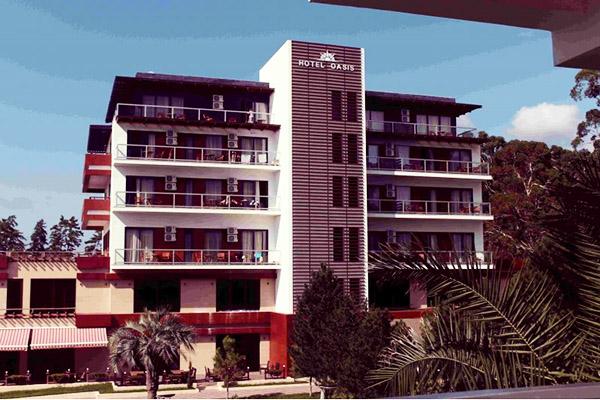 Отель Oasis,Фасад