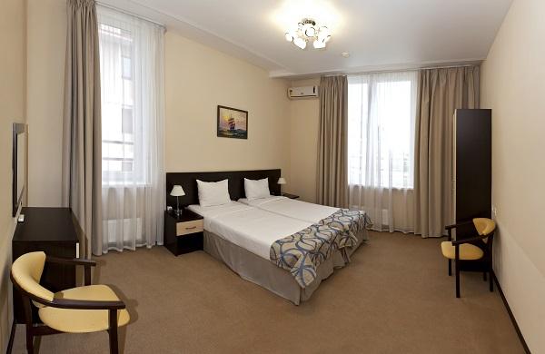 Отель Чистые пруды (Бархатные сезоны),Люкс 2-местный 2-комнатный
