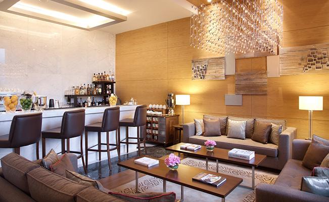 Lobby bar (600 x 900)