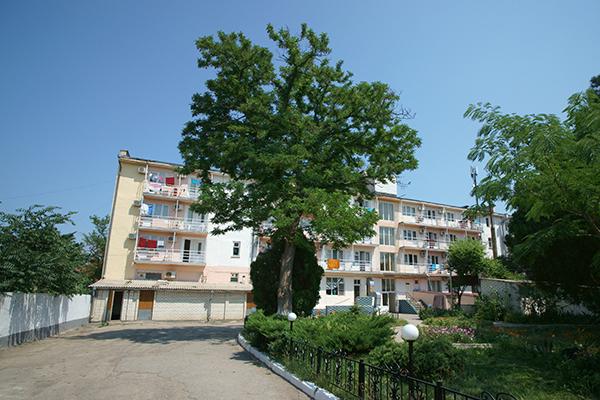 Туристско-оздоровительный комплекс Маяк ТОК (Феодосия),Внешний вид корпуса
