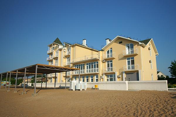 Туристско-оздоровительный комплекс Золотой Пляж (Береговое) ,Корпус №2 и пляж