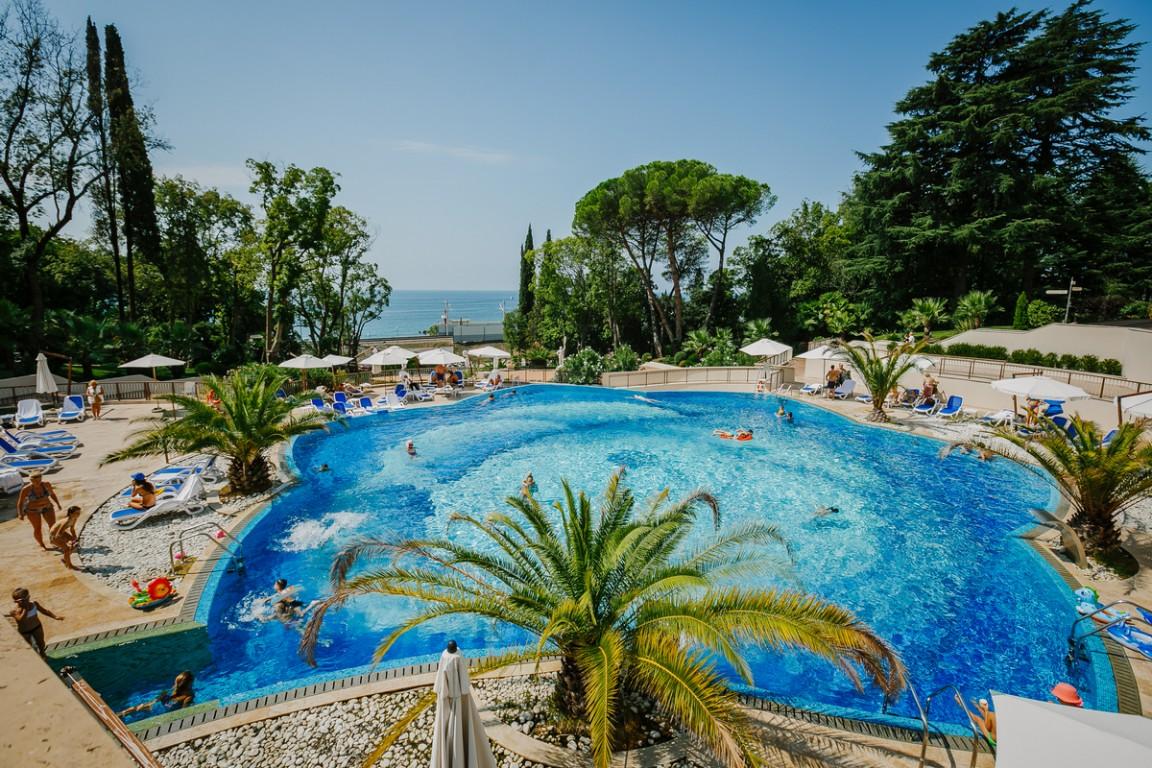 Гостиница Swissotel Resort Sochi Kamelia,Бассейн открытый