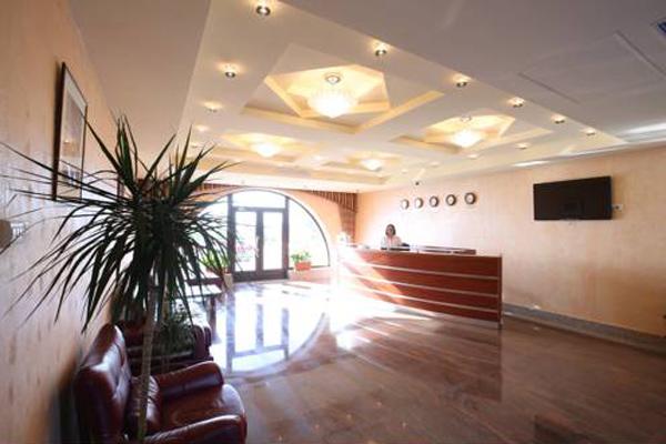 Отель Наре,