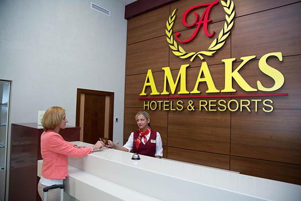 Отель AMAKS Курорт Красная Пахра,Ресепшн