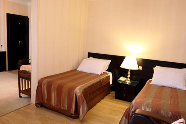 Отель Iliani,