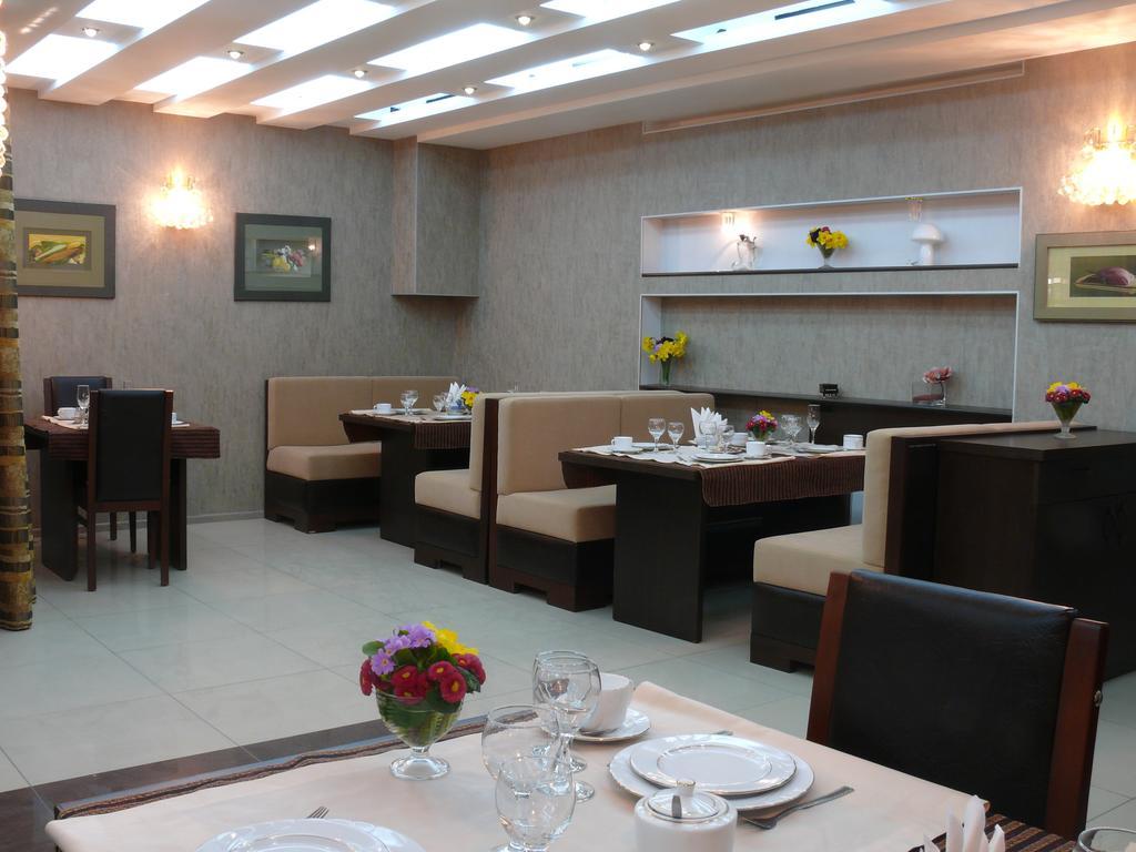 Отель Iliani,ресторан2