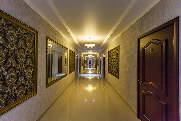 Отель Марсель ,Холл