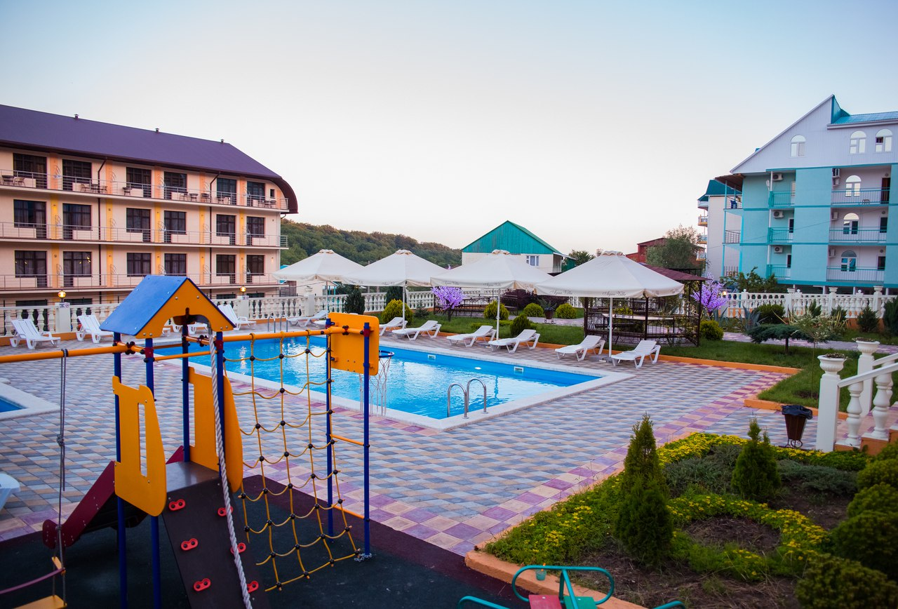 Отель Аква Вилла (Aqua Villa),Территория