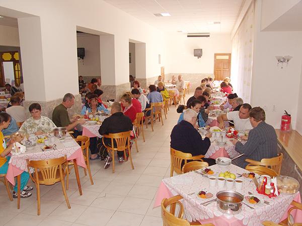 Столовая обеденный зал