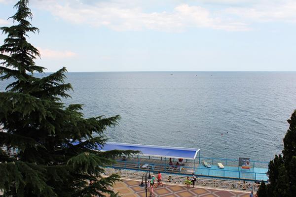 Гостиничный комплекс Юстас-Крым (ex. Вилла Марина),Вид из окна 2 корпуса