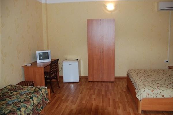 Гостиница Максим,3-местный стандарт