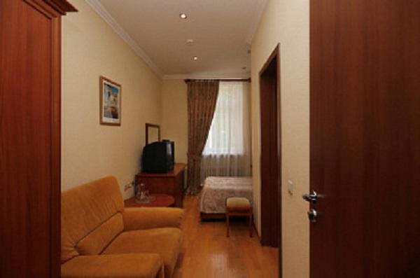 Оздоровительный комплекс Бор, ФГУП ОПК,1 комнатный 1 местный (отель)
