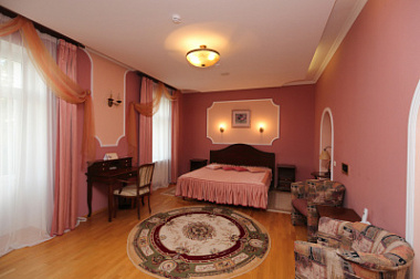2 комнатный люкс (отель)