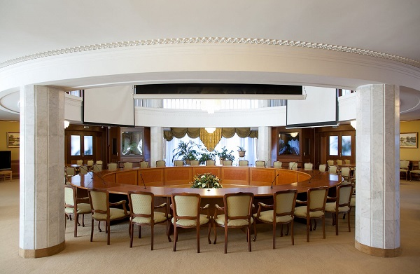 Круглый конференц-зал