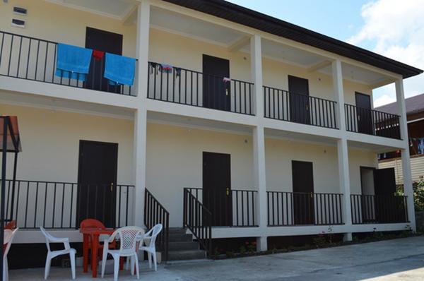 Гостевой дом Леон,Фасад