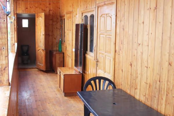 Гостевой дом Леон,Санузел на этаже для номеров эконом
