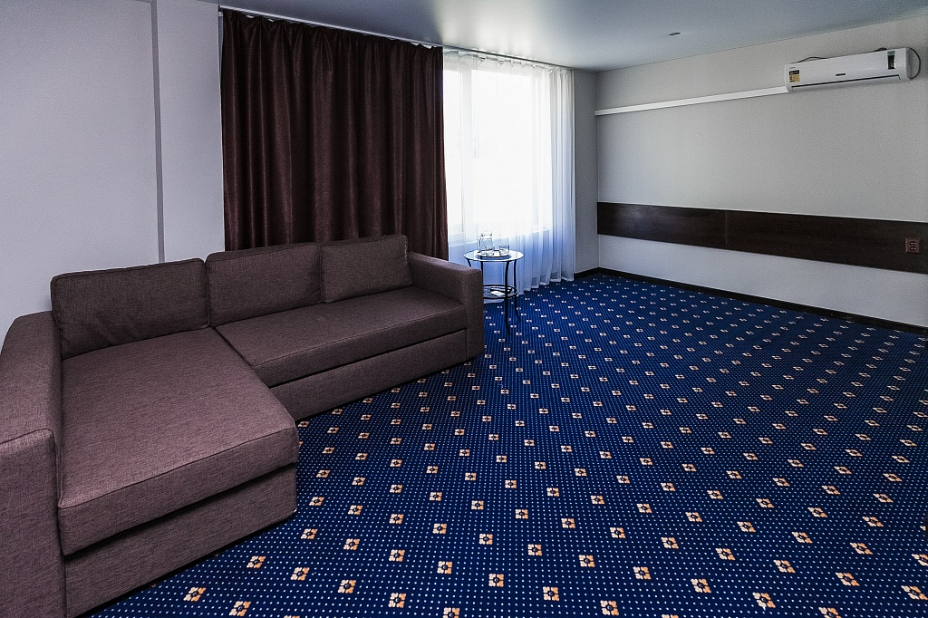 Люкс 2-местный 2 комнатный (корпус Шале) (1)
