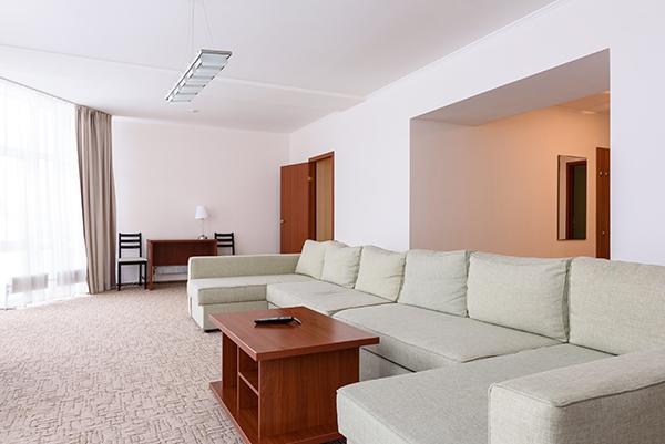 Люкс 2-местный 2 комнатный с видом на озеро (корпус Алира Пелас) (3)