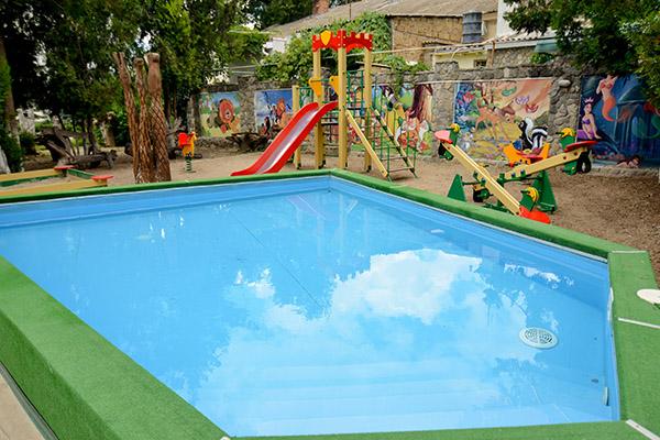 Гостиничный комплекс Корона,Детский бассейн