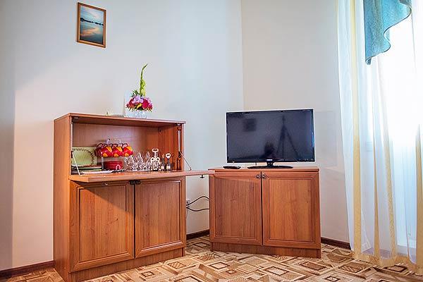 Гостиничный комплекс Корона,Полулюкс 2-местный