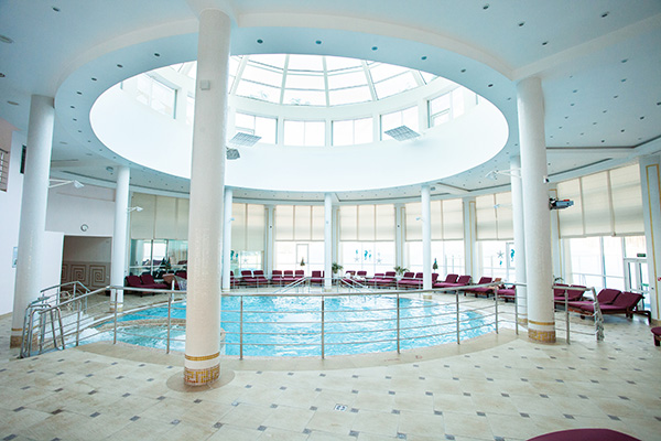 Отель Ramada Екатеринбург,Бассейн