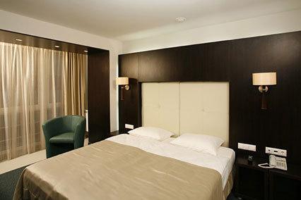 Гостиница Турист,Люкс 2-комнатный, спальня.