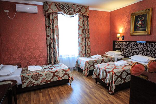 Отель РОЗА ВЕТРОВ,Полулюкс 3-местный