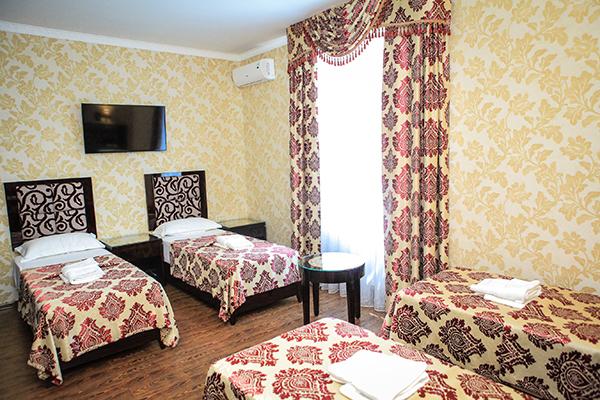 Отель РОЗА ВЕТРОВ,Полулюкс 4-местный