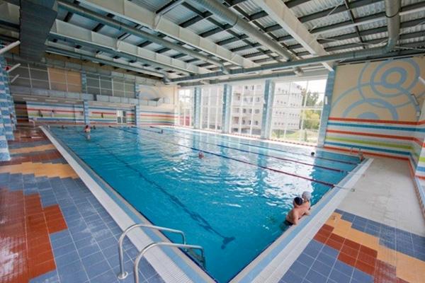 Курортный комплекс Усть-Качка (курорт),Плавательный бассейн в аквацентре