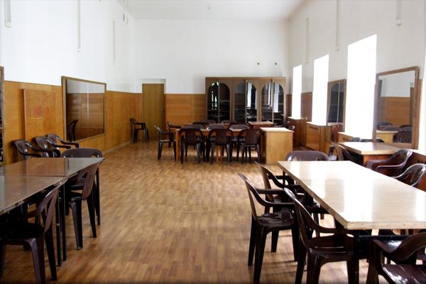 Детский лагерь отдыха Объединенное королевство,детский лингвистический лагерь,Зеркальный зал для мастер-классов