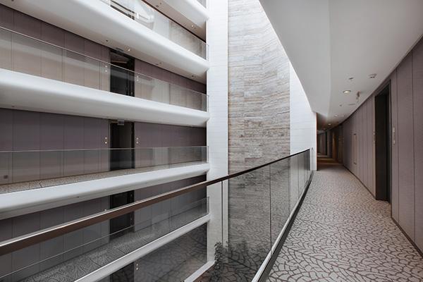 Санаторно-курортный комплекс Mriya resort,Вид внутренних переходов в корпусе