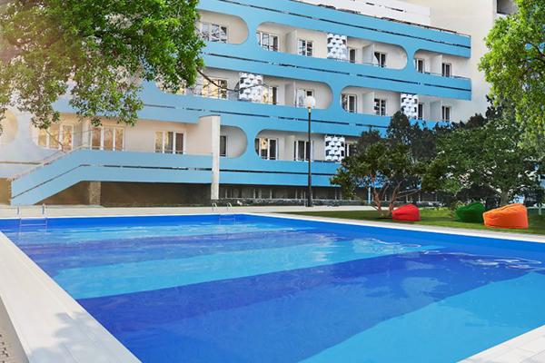 Санаторно-курортный комплекс Family Resort,Открытый бассейн