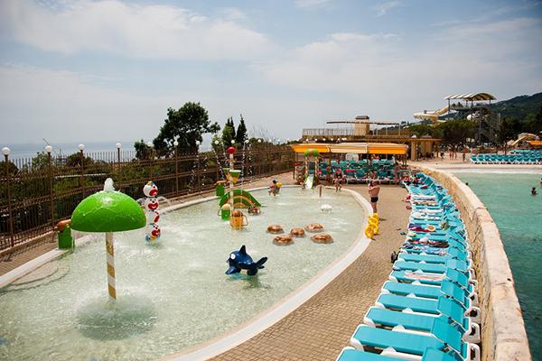 Детский бассейн аквапарка